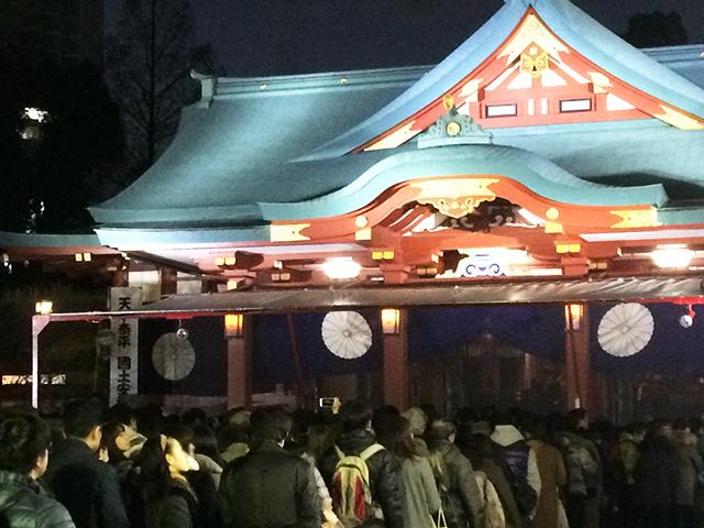 日枝神社に初詣に行くさるのダニエル 長蛇の列